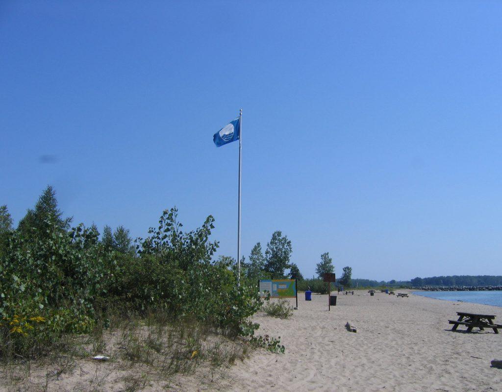 natural beach of Ward's Island, Toronto