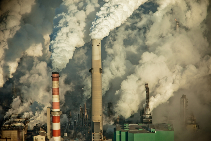 carbon pricing will help reduce oil sands emissions